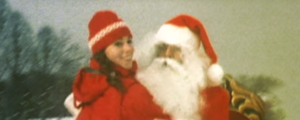 Screenshot aus dem Musikvideo «All I Want For Christmas Is You» von Mariah Carrey